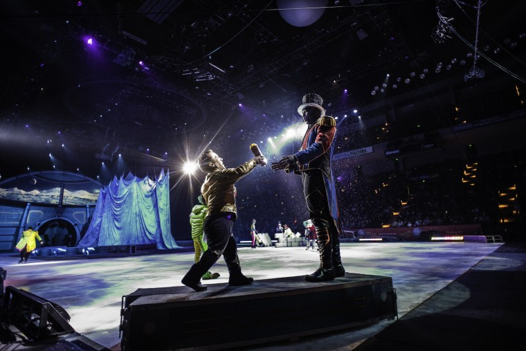 Image: Ringmaster Johnathan Lee Iverson and his sidekick Paulo dos Santos perform in one of their last Ringling Bros shows