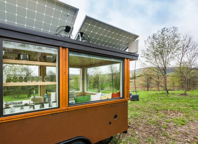 The tiny home can run off the grid, providing electricity with solar panels.