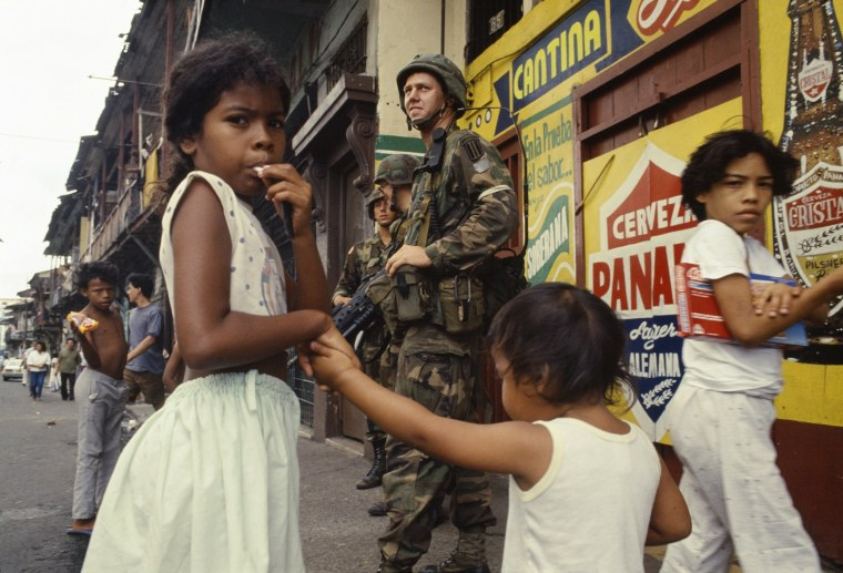 """Image: Operation \""""Just Cause\"""" in Panama"""