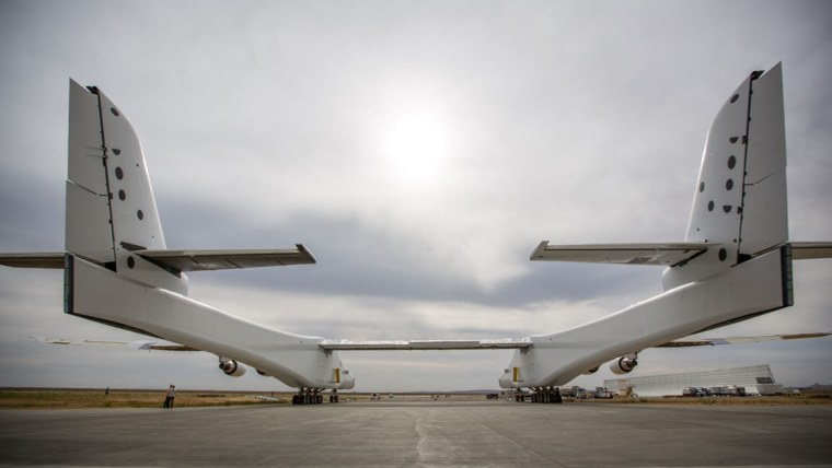 Stratolaunch Systems carrier plane
