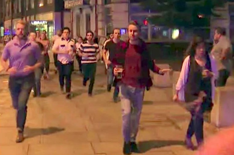 Image: A screen shot shows a man is accompanied by his beer while fleeing the Jun 3, 2017 attacks at the London Bridge and Borough Hall, London, England.
