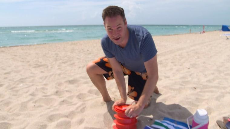 Jeff Rossen demonstrates the Beach Vault