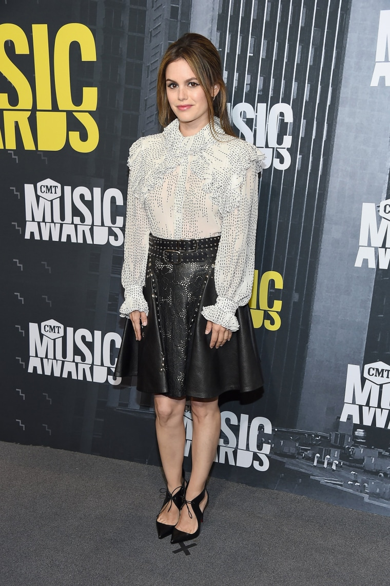 Image: 2017 CMT Music Awards - Arrivals