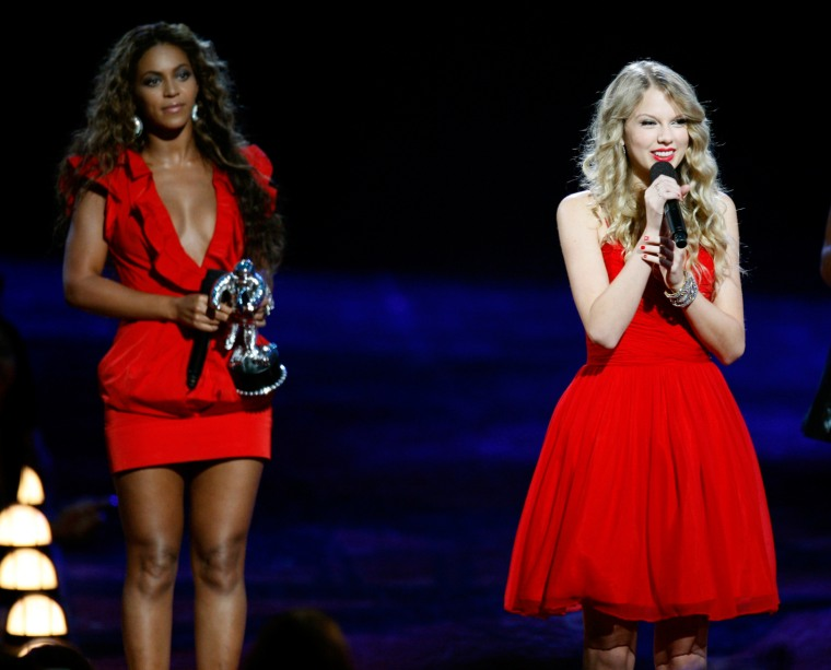 Image: Taylor Swift finishes her acceptance speech for best female video at the 2009 MTV Video Music Awards in New York