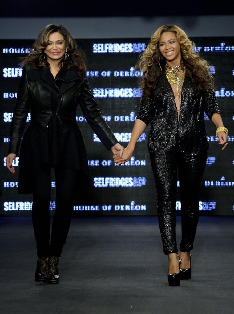 Image: Beyonce Knowles, Tina Knowles