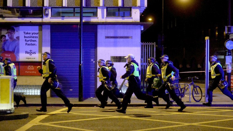 Image: Police are dispatched to the reported incident on the London Bridge.
