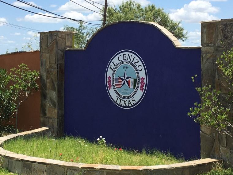 Entrance to the border city of El Cenizo, Texas.