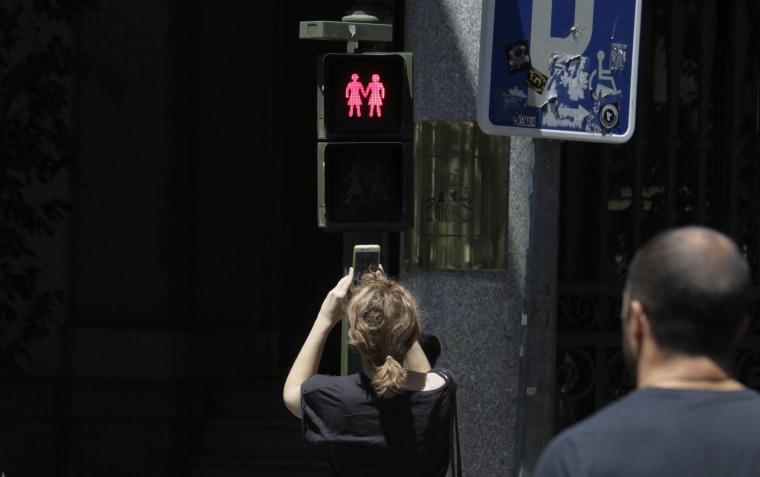Image: Same-sex traffic lights in Madrid