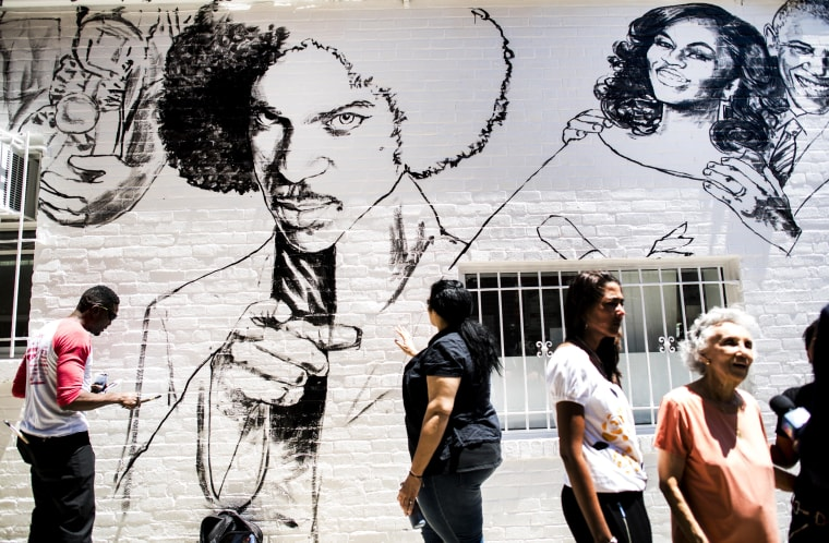 Off the Wall: New Mural Pays Tribute to Prince, Ali and Obamas