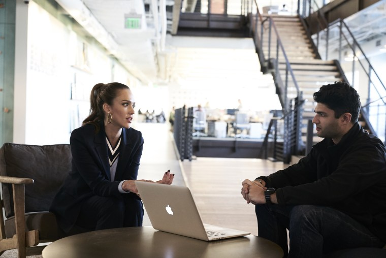 Image: Image: Andrew Kemendo discusses the business plan for his app with advisor Jessica Alba