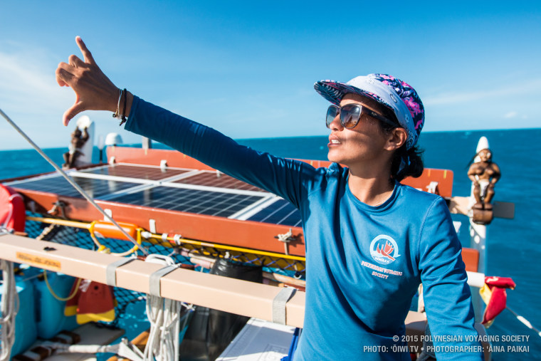 A Hokulea crew member uses traditional Polynesian wayfinding methods to navigate.