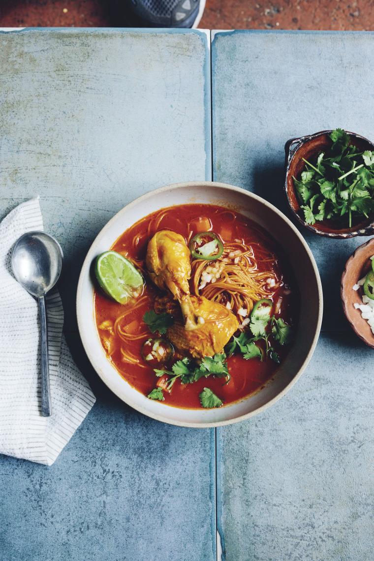 A picture of Sopa De Pollo Con Fideos, or chicken soup with noodles.