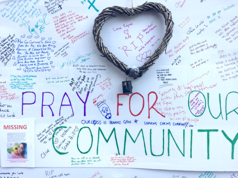 Image: A condolence message board near the Grenfell Tower