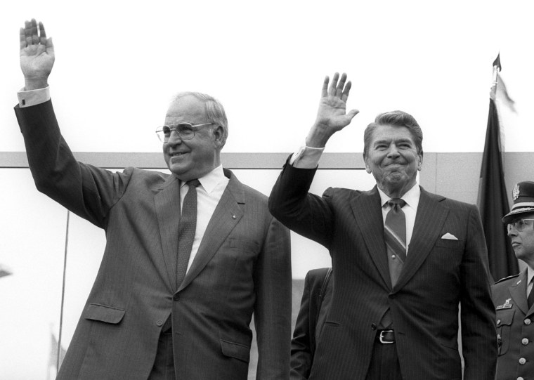 Image: Former German chancellor Helmut Kohl dies aged 87