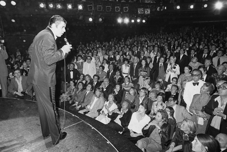 Image: Jerry Lewis performing in Paris