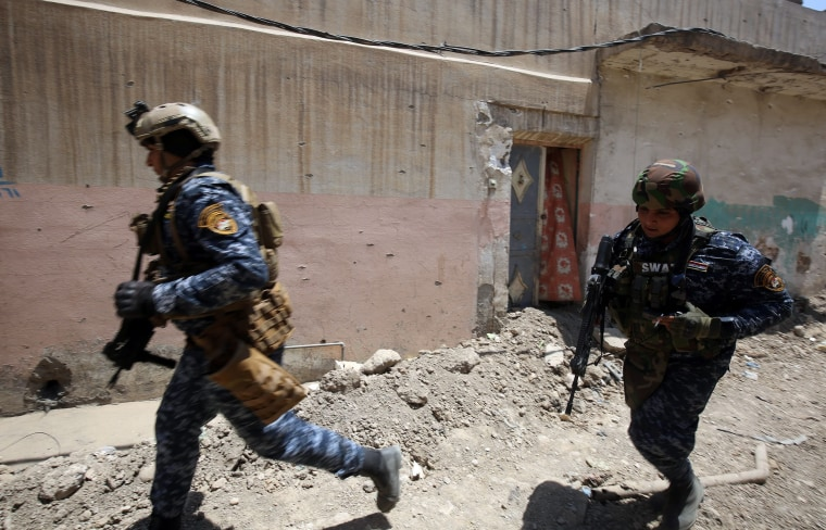 Image:  Iraqi forces advance towards Mosul's Old City