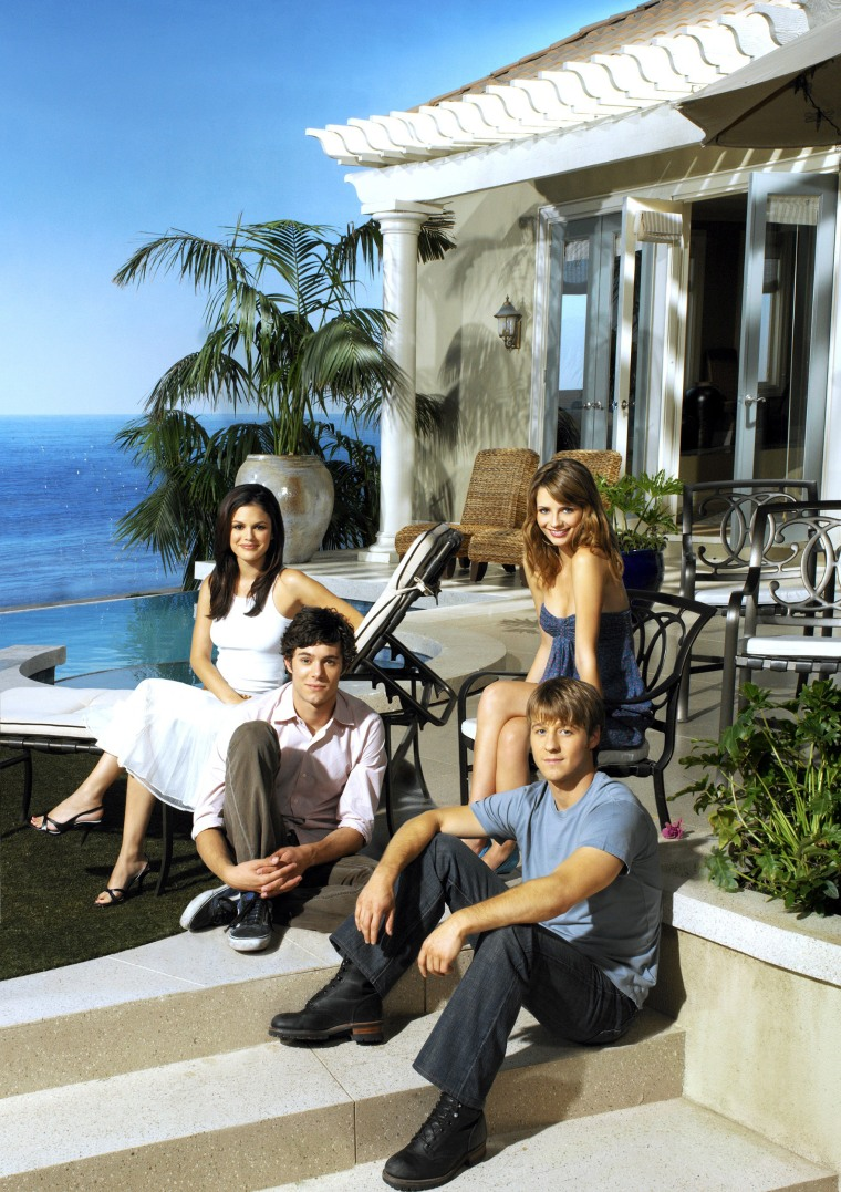 """The O.C."" stars Rachel Bilson, Adam Brody, Mischa Barton, Benjamin McKenzie for season 2"