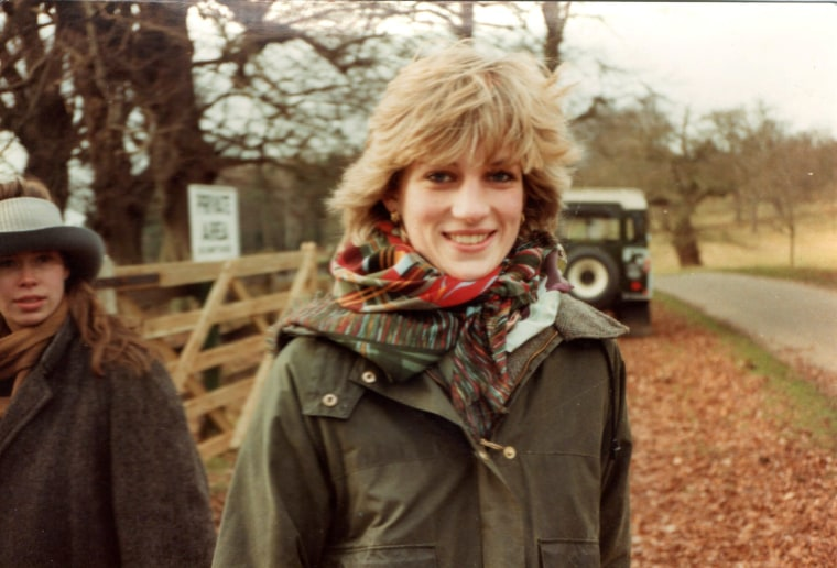 Never-before-seen photographs of young Princess Diana