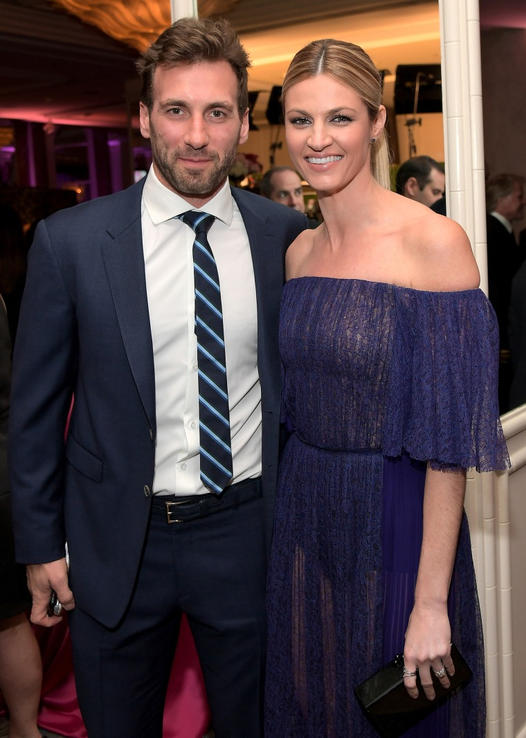 Erin Andrews marries former NHL player Jarret Stoll in ...