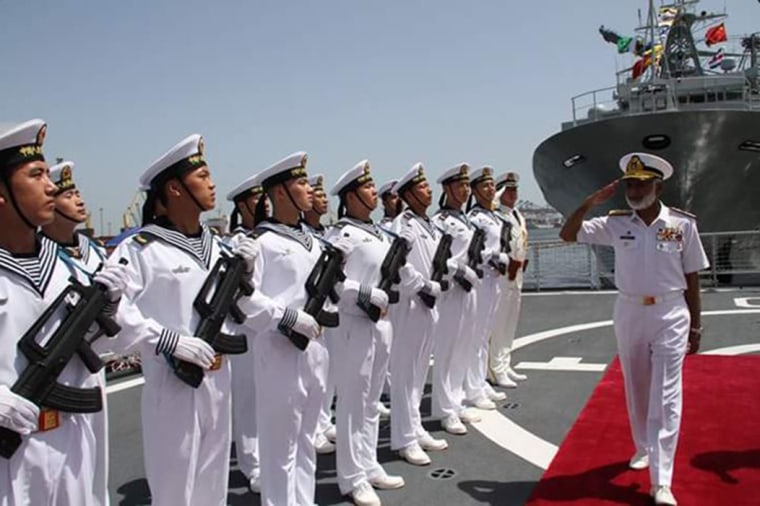 Image: PLA navy war Ships arrive in Karachi, Pakistan