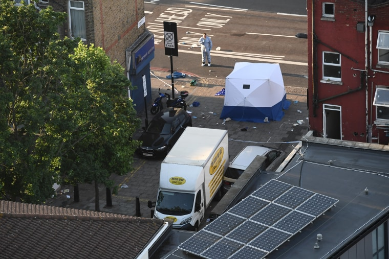 Image: Aftermath of incident near Finsbury Park Mosque