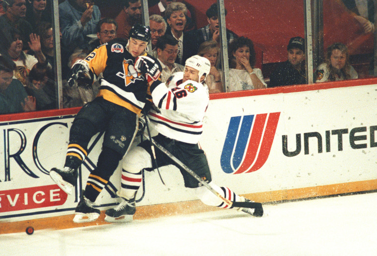 Image: Pittsburgh Penguins' Jim Paek plays in Game 4of the Stanley Cup finals in Chicago