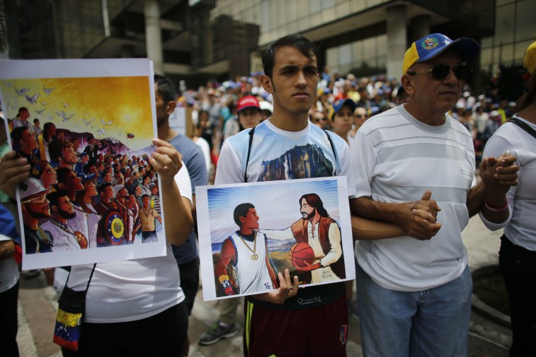Meet a Young Venezuelan Artist Known As the 'Painter of Protests'