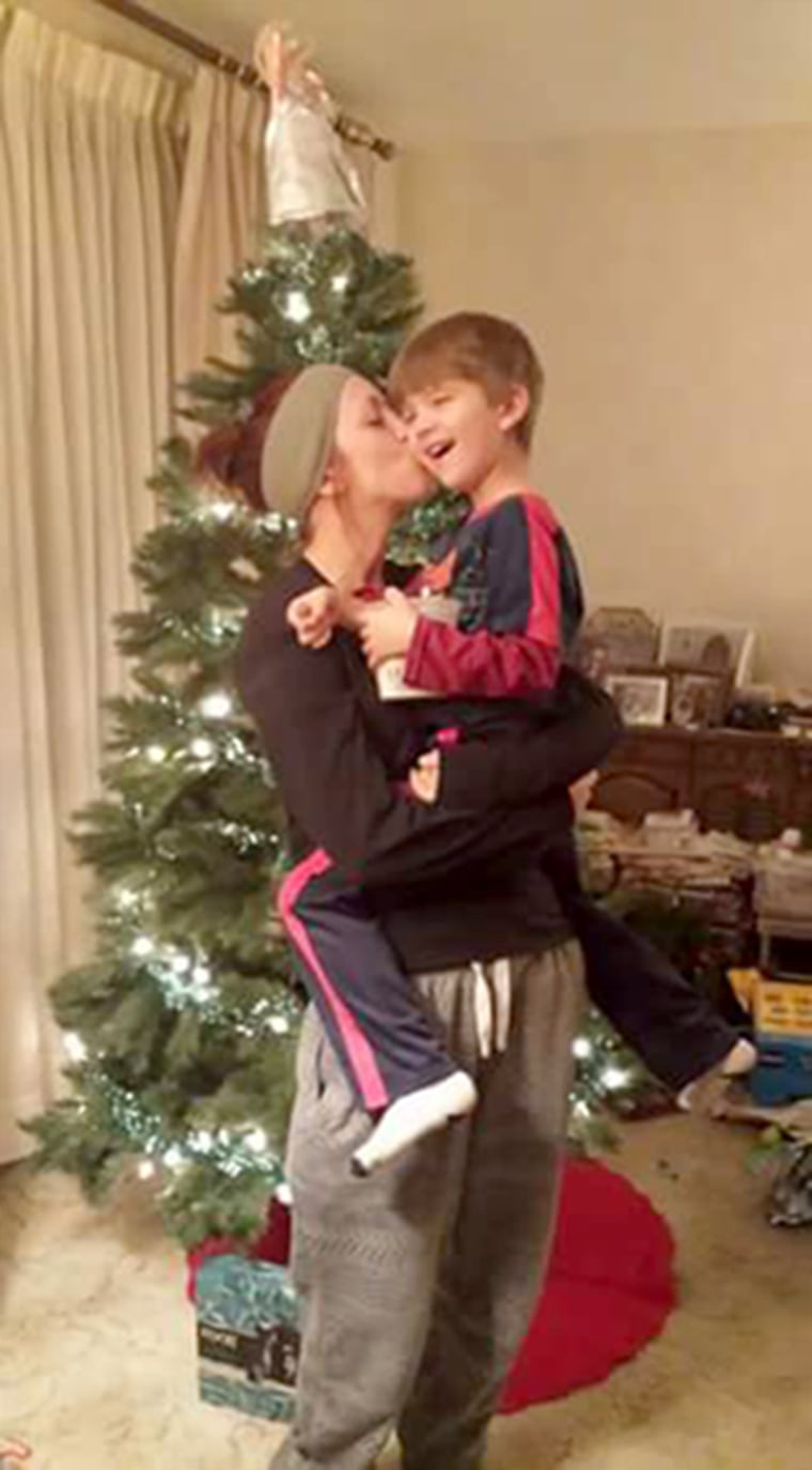 Image: Kaitlyn Cruea at Christmas with her son Karter