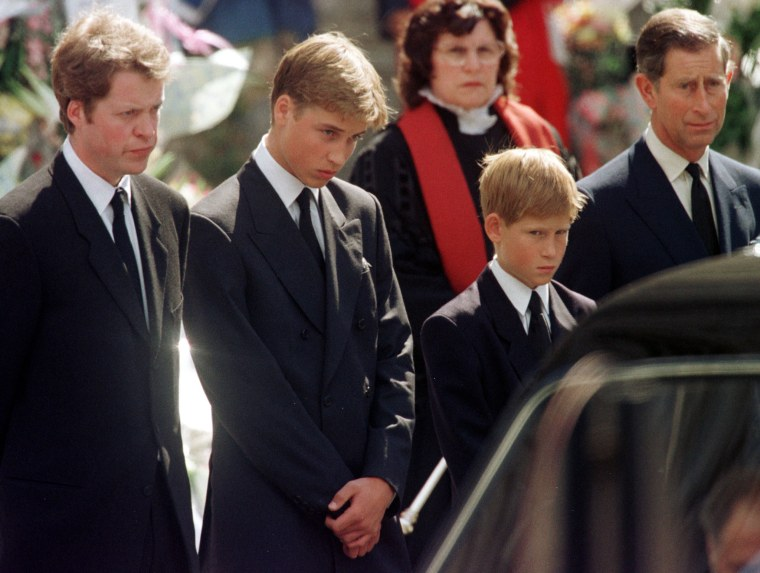Image: Earl Spencer, Prince William, Prince Harry and Prince Charles look at the coffin of Diana, Princess of Wales