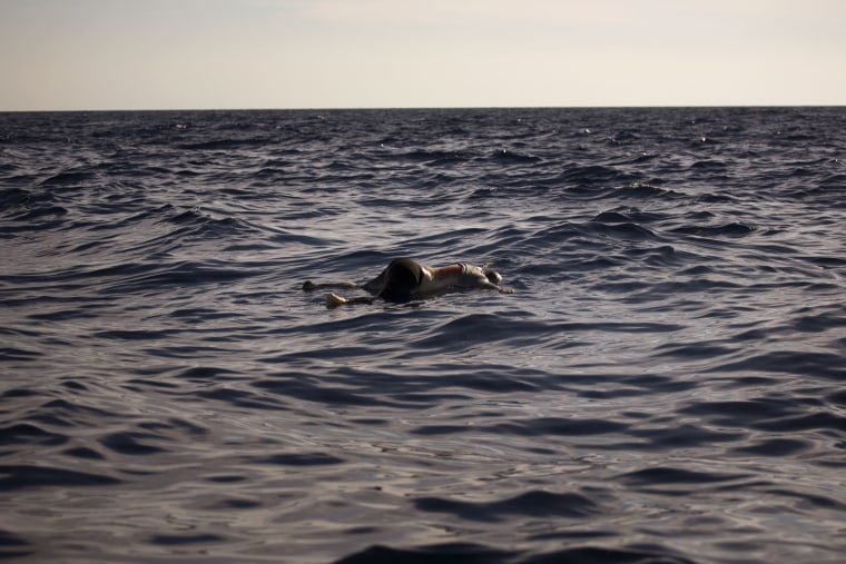 Image: A woman's dead body floats in the Mediterranean sea