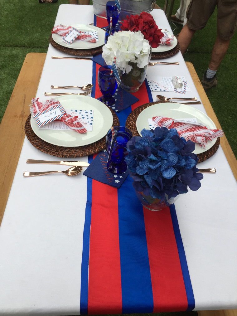 Create this patriotic table runner for under $10