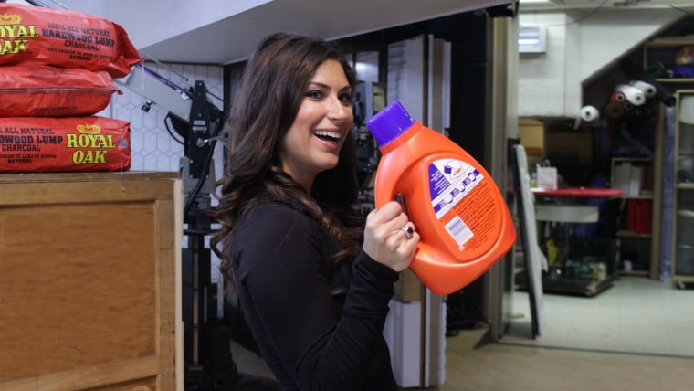 Stephanie Mansour demonstrates that you can get in a workout while tackling your household chores.