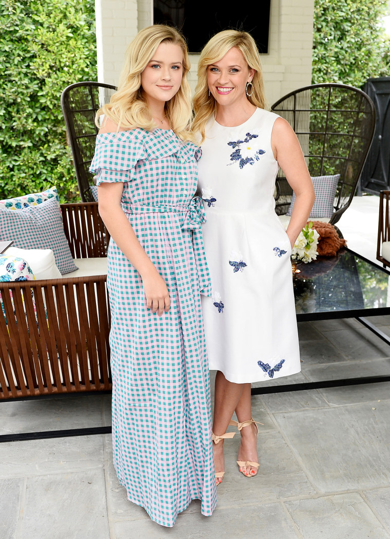 Ava Elizabeth Phillippe, Reese Witherspoon