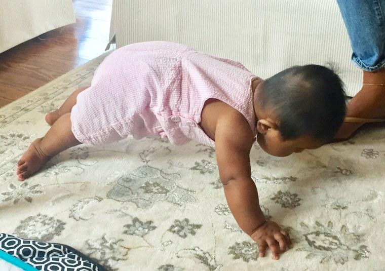 Haley Joy can plank!