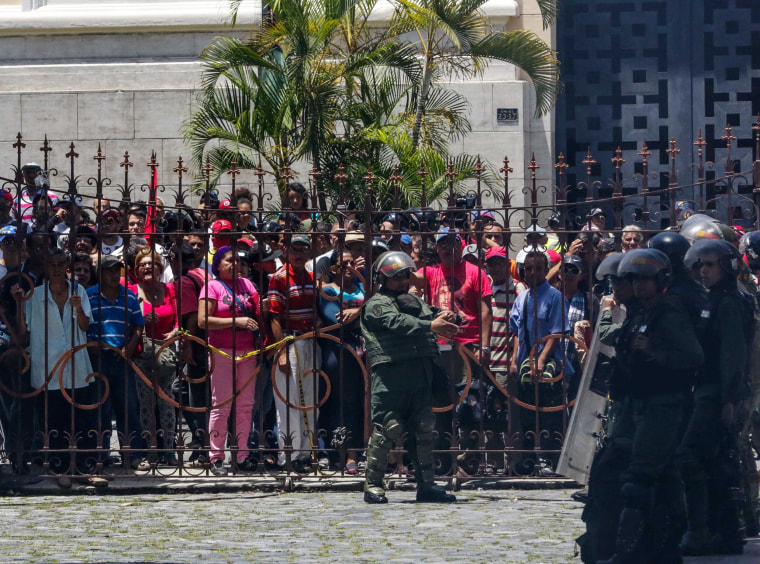 Image: Supporters of the Venezuelan government storm the National Assembly