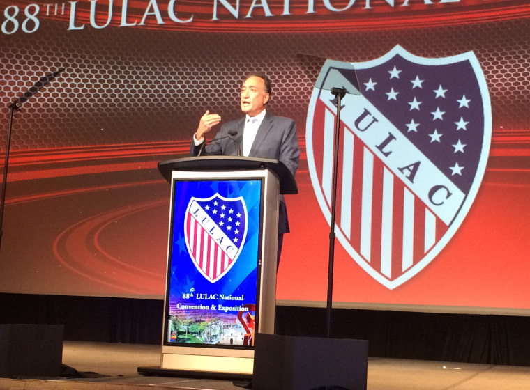 Henry Cisneros Calls on Latinos at LULAC to Proclaim their American story