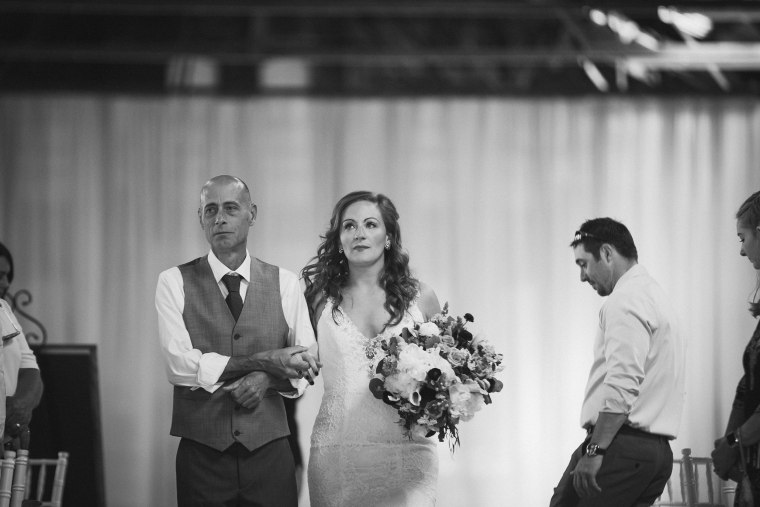 A bride who lost her father and her fianc? surprised her by getting her late dad's best friend there to walk her down the aisle.