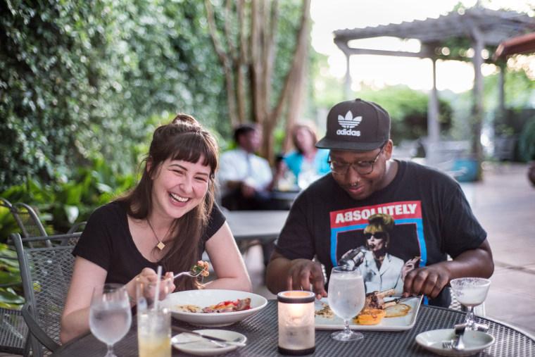 Image: 2 People eating at restaurant in South Carolina