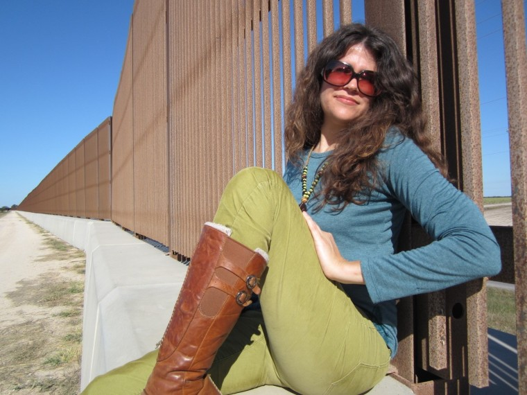 Image: Stephanie Elizondo Griest at US/Mexico border