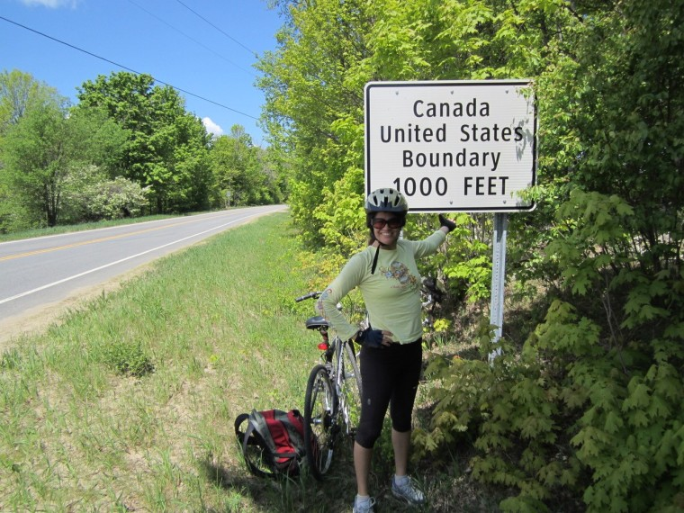 Image: Stephanie Elizondo Griest bikes across U.S./Canada border