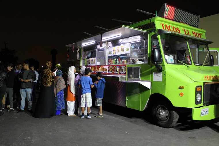 """The Islamic Center of Santa Ana participating in the """"taco truck at every mosque"""" campaign."""