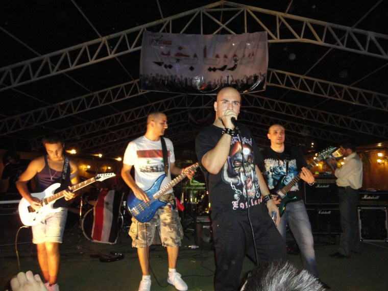 Image: Saflou sings in a concert in Aleppo in 2010