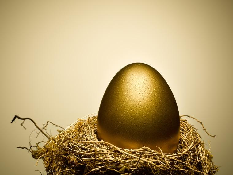 Image: Golden egg on gold nest