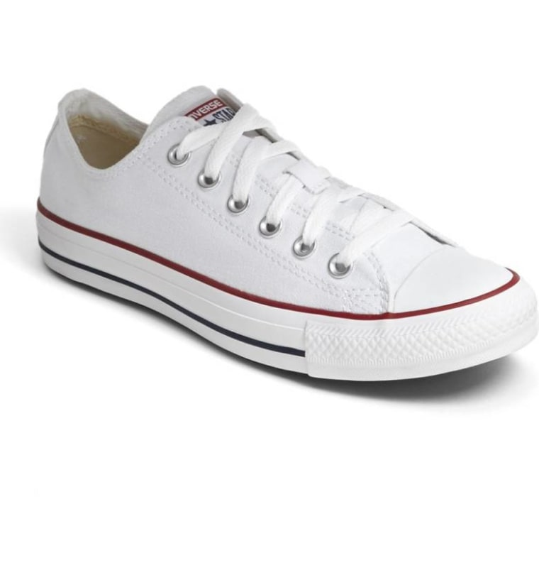 Chuck Taylor(R) Low Top Sneaker