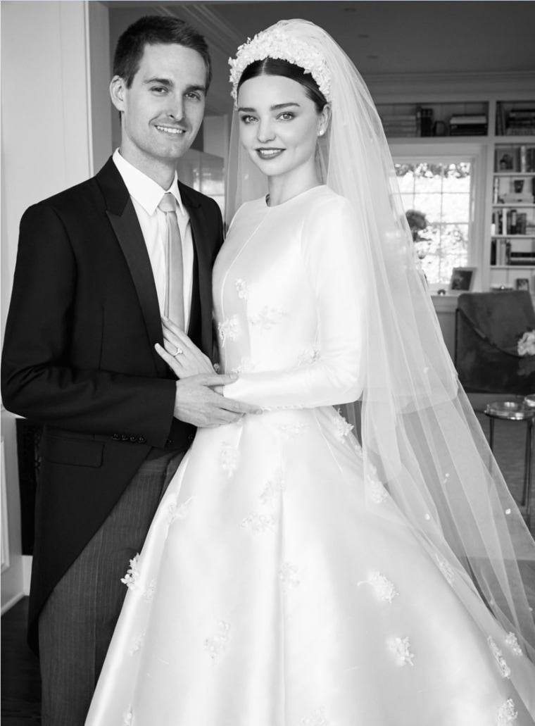 Miranda Kerr\'s wedding dress was inspired by Grace Kelly