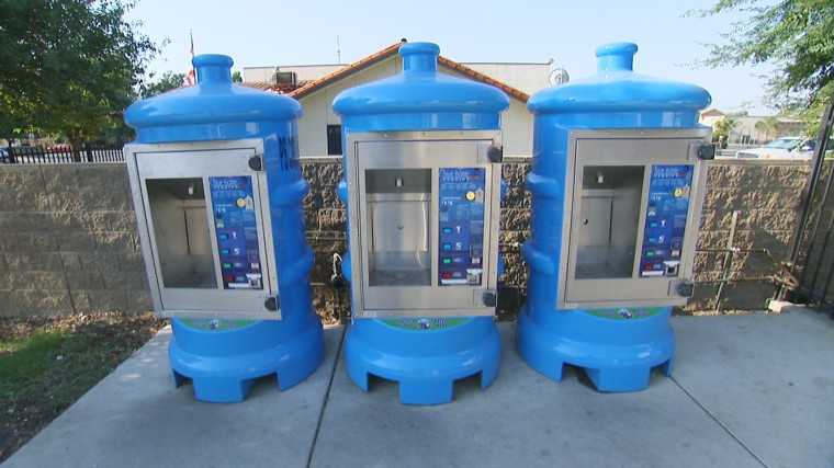 Image: Water machines in Arvin, California