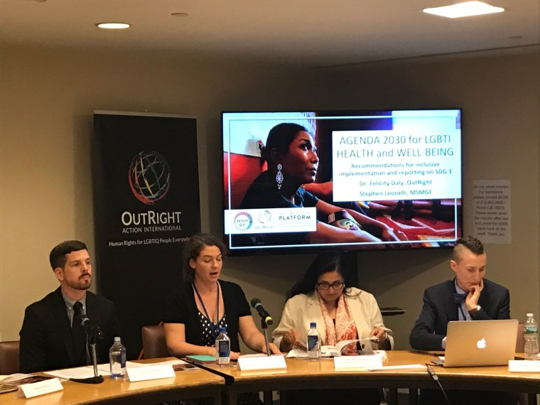 Image: Gabriela Martinic, Niluka Perera, Felicity Daly, and Stephen Lionel present their report.