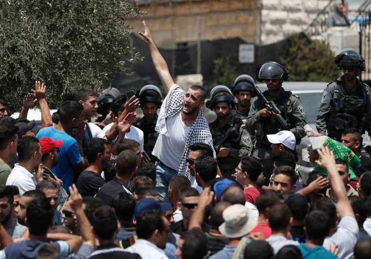 Image: Palestinian worshipers demonstrate outside Jerusalem's Old City after Israeli police barred men under 50 from entering for Friday Muslim prayers following rising tensions after new security measures were introduced, July 21, 2017.
