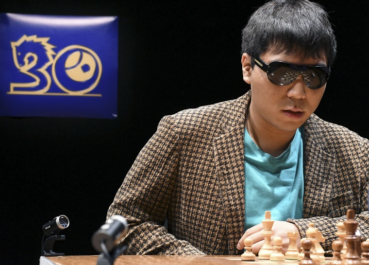 Image: Wesley So plays against Viswanathan Anand during the Leon Chess Masters 2017 final game
