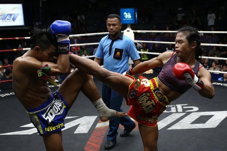 Image: The Wider Image: Transgender boxer fights for acceptance